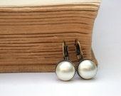 Pearl earrings - Vintage Style Swarovski Pearl  Earrings