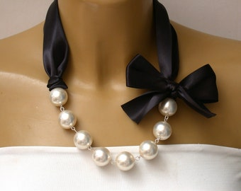 Carrie Necklace - Carrie Bradshaw  Inspired Pearl Necklace In Black Color Satin Ribbons. Perfect for Bride, Wedding, Bridesmaids And Formal