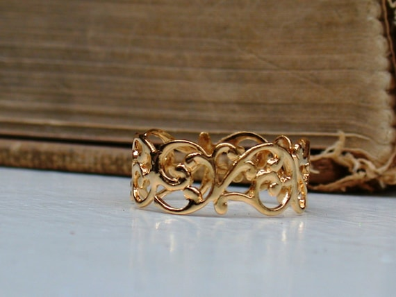 A Vintage Style Gorgeous Woven Gold Filled 14K Ring