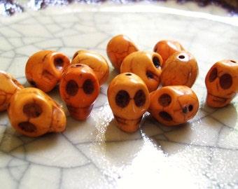 Smiling Skull Beads - Butter Yellow Howlite - 12 beads
