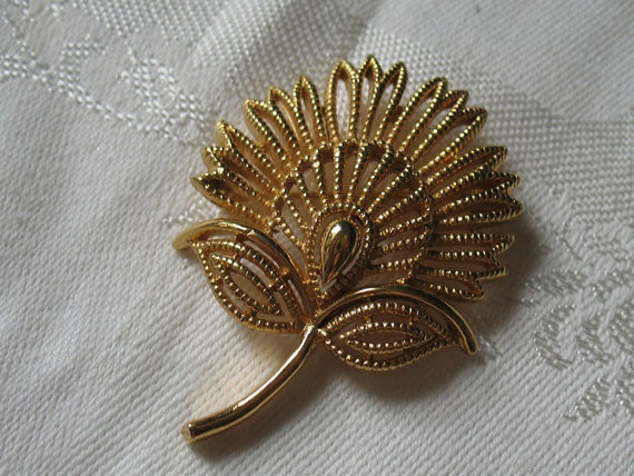 RESERVED for SHIRLY Trifari Detailed Golden Feathered Blossom Brooch