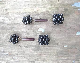 Vintage Earrings Black Earrings Clip Earrings Beads Beaded Earrings Earclips Clip Ons Mad Men Dangle Earrings Clip On Earrings 1960 Earrings