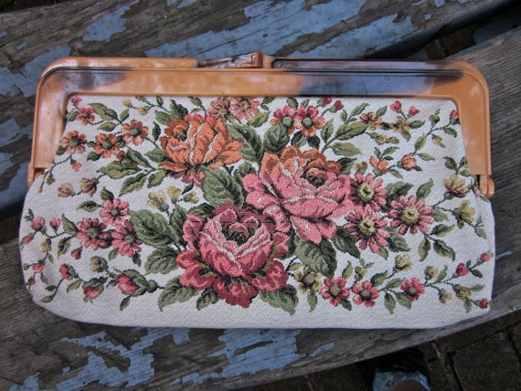 Vintage Flower Clutch With Roses