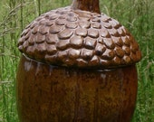 Squirrely - VINTAGE Woodland Acorn Cookie Jar / Canister - would also make a great container for dried herbs, flour/sugar or baubles.
