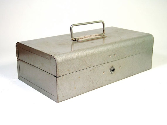 Beach Industries Small Metal Box