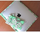 iPad sleeve/ Green/Amy Butler---with FREE iPod/iPhone case