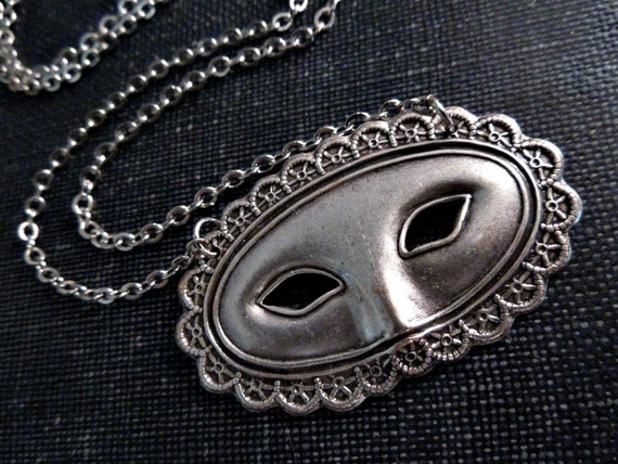 Masquerade Ball Mask Necklace - Silver