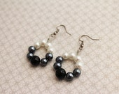 PIF - Classic Pearl - Vintage Inspired Handmade Simple Charms Black Gray Grey White Pearl Bead Wire Silver Tone Earrings Sale