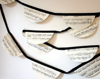 Bunting - Vintage music sheet  - Scalloped