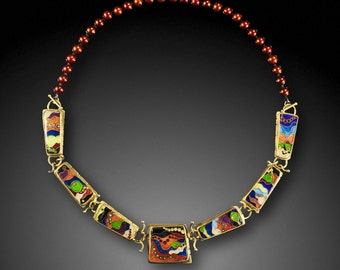 Gift of the Magi - Necklace, 18 karat gold with cloisonne basse-taille enamel on fine silver, and pearls