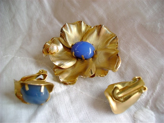 Sixties brooch and earrings - blue stones and pearl