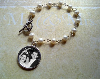 Wedding bracelet -Bridal jewelry - Freshwater Pearls with Circle Photo Charm - keepsake