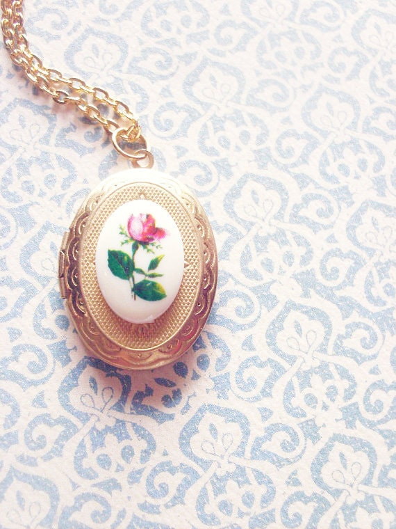 Rose Locket Necklace - Red Rose Necklace Red Rose Jewelry Rose Cameo Locket Gold Victorian Locket Necklace Victorian Necklace Cute