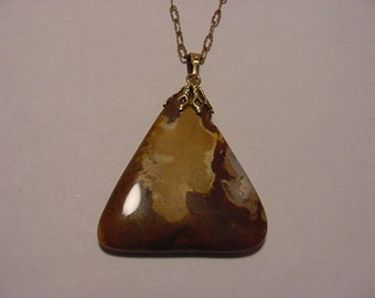 Vintage Polished Stone   Pendant Necklace   2011 - 1167