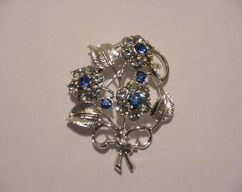 Vintage Coro Blue Rhinestone Flower Brooch.   11 - 576