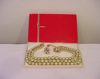 Vintage Emmons Bead Necklace & Clip On Earring Set In Original Gift Box  11- 1937