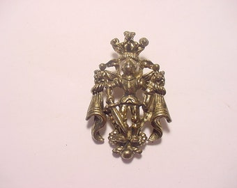 Vintage Knight In Armour Brooch  12 - 61