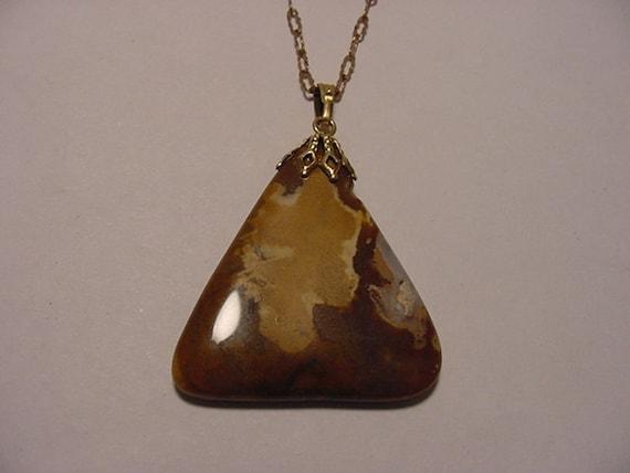 Vintage Polished Stone   Pendant Necklace   2011 - 1167