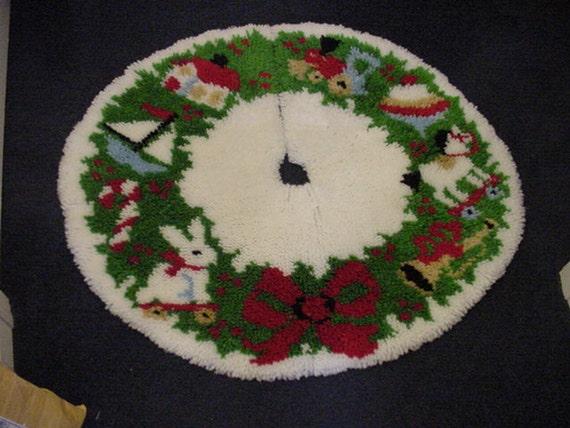 Vintage handmade latch hook rug christmas tree by