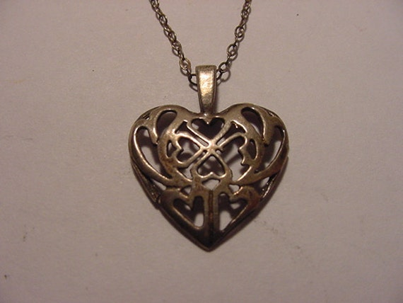 Vintage Sterling Silver Filigree Heart  Pendant Necklace   2011 - 1830