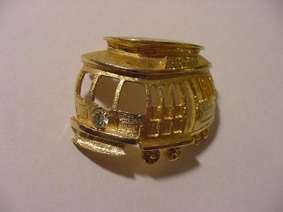 Vintage Gold Tone Metal Street Car Or Trolly  Brooch   2011 - 1850