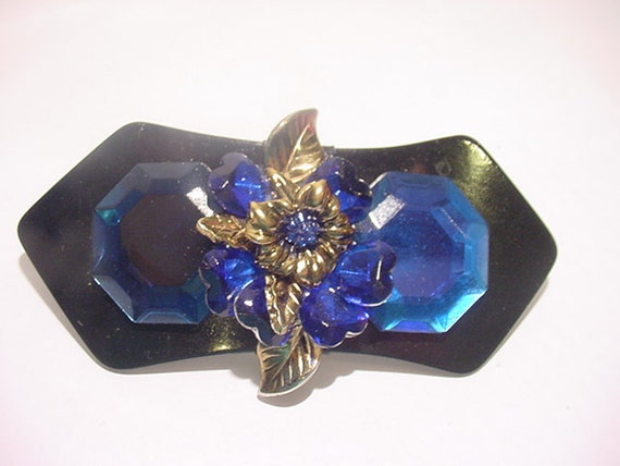 Vintage Blue Plastic Flower  Hair Barrett   11 - 750