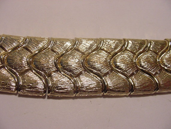 Vintage Coro Gold Tone Metal Bracelet With Safety Chain  12 -60