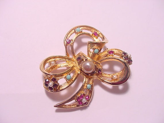 Vintage Weiss Rhinestone And Faux Pearl  Brooch  12 - 219