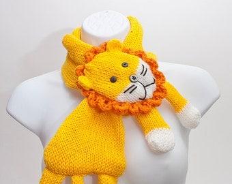 Lion scarf cowl neckwarmer