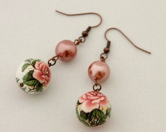 Vintage Roses and Shell Pearl Beads Earrings