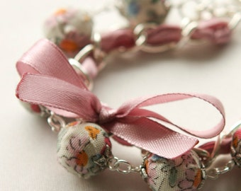 Lilac satin ribbon and floral fabric beads bracelet