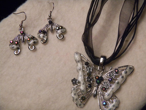 The upcycled Butterfly Collection/ Set (necklace and peirced earrings)