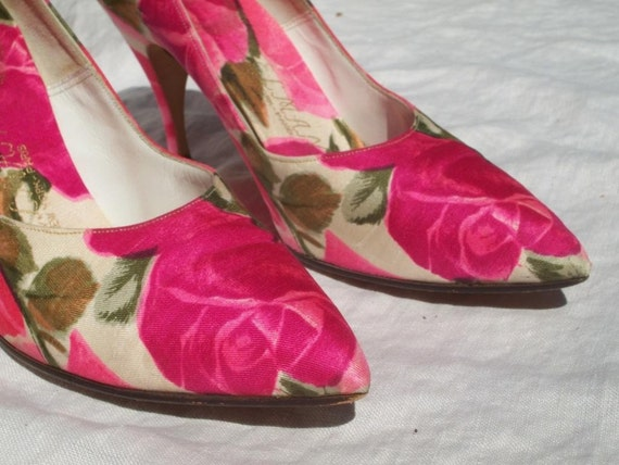 DELMAN New York-Paris Pretty and Pink Silk Rose Heels FREE SHIPPING