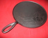 Large Unmarked Old Cast Iron Griddle With Gate Mark 0323