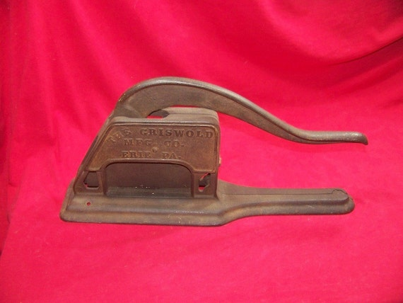 Griswold No. 1 Cast Iron Tobacco Cutter 0147