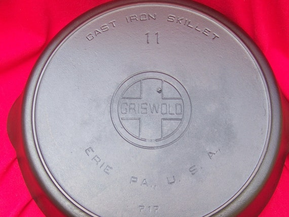 Griswold No. 11 Cast Iron Block Logo Heat Ring Skillet 0237