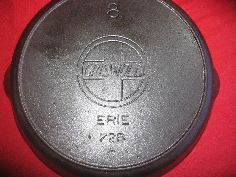Griswold No 8 Slant Logo Cast Iron Wooden Handle Skillet 0089