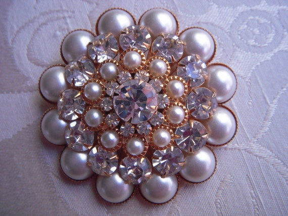 Large PEARL and Clear Rhinestone Brooch Bridal Piece Absolutely Exquisite