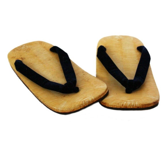 traditional japanese zori shoes