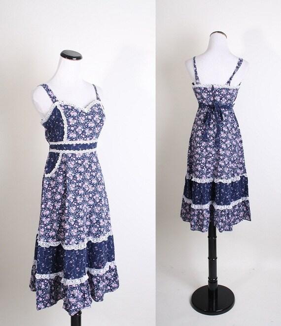Gunne Sax Dress / Spring Fashion / Summer Dress / Dress / Dresses / Floral / Flowers / Navy / Cotton Dress / Vintage Lace / Boho / 1091