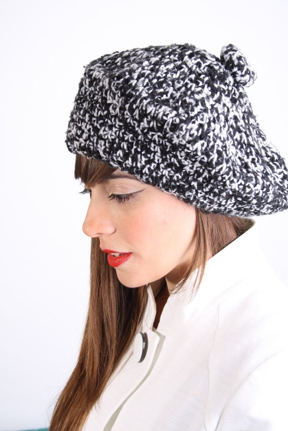 Beret / Tam / Black and White / Vintage Hat / Hand Knit  / French / Hat / Winter Fashion / Mad Men / 0631