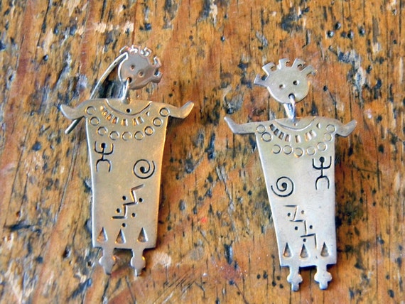 Signed Contemporary Mexican / Native Amercian Indian Silver Earrings