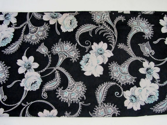 1940s Fabric / 1950s Dress Fabric / Yardage in Black Floral Print