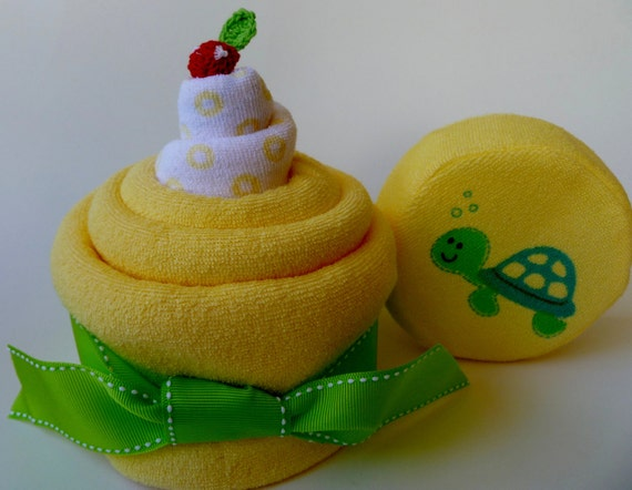Infant Hooded Towel, Bath Mitt, Large Matching Sponge and Washcloth.. Baby Cake...Baby Shower or Toddler Birthday...Turtle Design :)