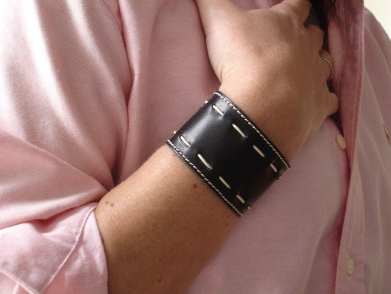 JACKIE Leather Cuff