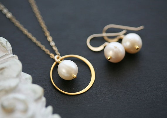 Set of 6,Bridesmaid gifts,Gold,Eternity and pearl necklace,Circle necklace,Wire wrapped pearl earrings,Wedding jewelry set