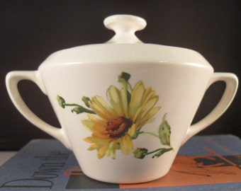 Yellow Daisy Covered Sugar Bowl / Vintage White USA Pottery