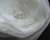 Lace wedding hairpiece, wedding hair flower, Ivory Bridal hair flower, lace wedding accessory, Ivory Hair clip, wedding pearl hairpiece