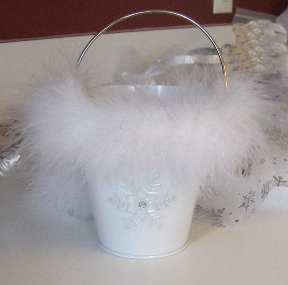 Flower Girl Baskets | David's Bridal