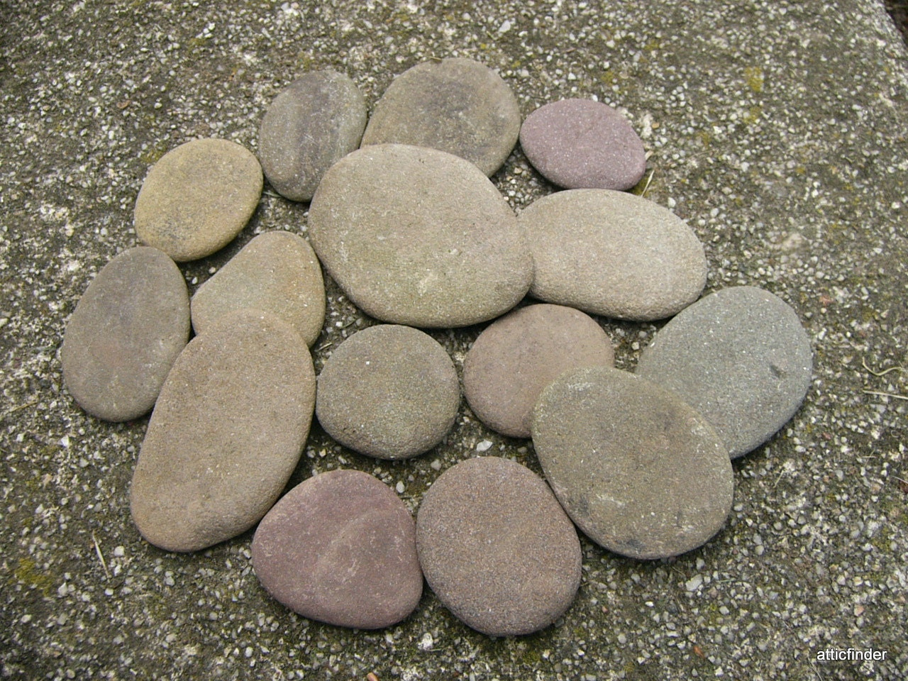 Flat river rocks all natural creek rocks for crafts still for Where to buy flat rocks for crafts